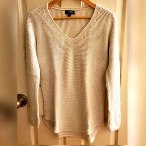 a.n.a. V-neck, long sleeves, knitted sweater